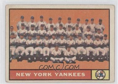 1961 Topps #228 - New York Yankees Team