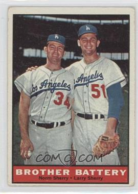 1961 Topps #521 - Norm Sherry, Larry Sherry [GoodtoVG‑EX]