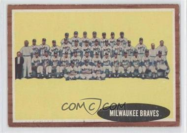 1962 Topps #158.1 - Milwaukee Braves Team
