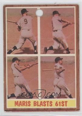 1962 Topps #313 - Maris Blasts 61st (Roger Maris)