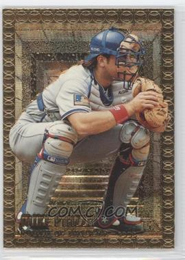 1995 Topps Embossed Golden Idols #110 - Mike Piazza