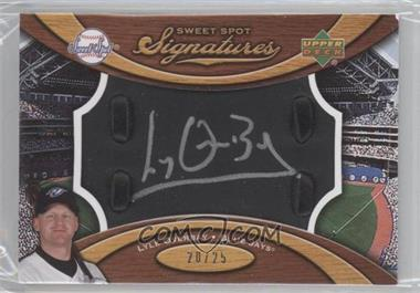 2007 Sweet Spot Signatures Bat Barrel Black Silver Ink #SS-LO - Lyle Overbay /25