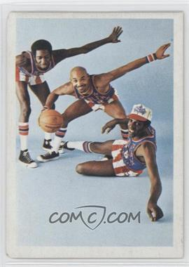 1972 Fleer Harlem Globetrotters #70 - Meadowlark is Safe at the Plate!