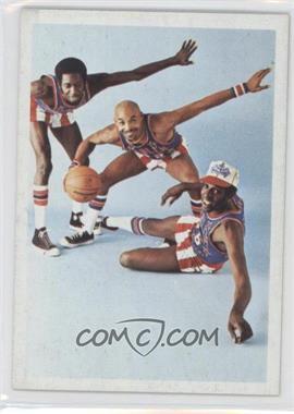 1972 Fleer Harlem Globetrotters #70 - Meadowlark is Safe at the Plate!