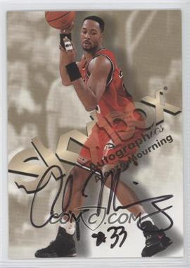 1998-99 Skybox Premium Autographics [Autographed] #ALMO - Alonzo Mourning