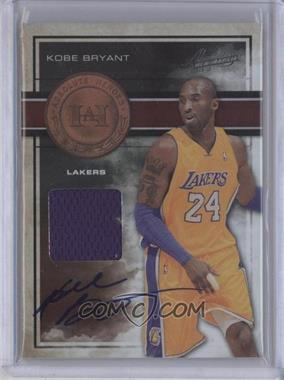 2009-10 Absolute Memorabilia Absolute Patches Signature Materials #15 - Kobe Bryant /25