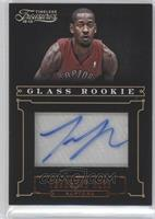 Glass Rookie Autographs - Terrence Ross /499