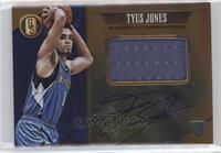 Rookie Jersey Autographs Jumbo - Tyus Jones /49