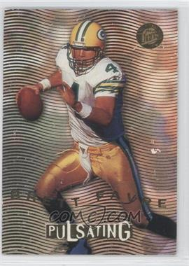 1996 Fleer Ultra Pulsating #2 - Brett Favre