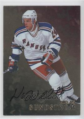 1998-99 Be A Player Gold Autographs #240 - Niklas Sundstrom