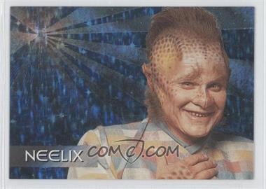1995 SkyBox Star Trek: Voyager Season One Series 1 - Spectra-Etch Crew #S8 - Neelix