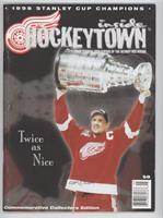 1998 Stanley Cup Champions Commemorative Collectors Edition (Steve Yzerman) [Go…