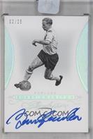 Bobby Charlton /25 [ENCASED]