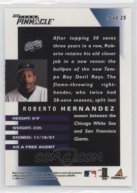 Roberto-Hernandez.jpg?id=4a2a5fac-6436-4722-b699-ffedbe8f3f04&size=original&side=back&.jpg