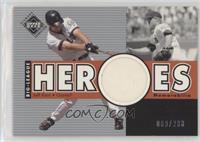 Big League Heroes Jerseys - Jeff Kent #/200