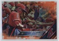 Mike Trout (Signing Autographs) /25