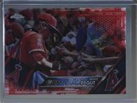 Mike Trout (signing autographs) /5