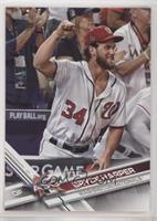Short Print Variation - Bryce Harper (Fist Pumped in Air)