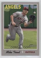 Short Print - Mike Trout (Action Variation)