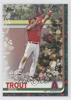 SP Variation - Mike Trout (Christmas Tree)