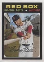 Short Print - Mookie Betts (Base)