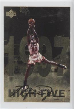 1998 Upper Deck Gatorade Michael Jordan - [Base] #12 - High Five (1997)