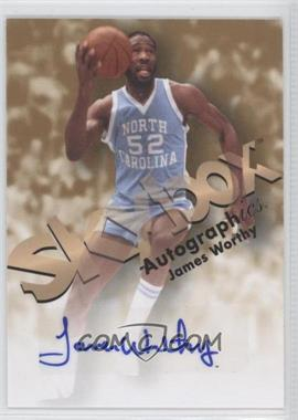 2011-12 Fleer Retro - 1998-99 Autographics Design Autographs #98AU-JW - James Worthy