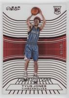 Rookies - Tyus Jones /99