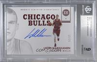 Rookie Scripted Signatures - Lauri Markkanen /25 [BGS 9 MINT]