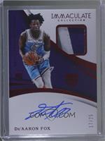 Rookie Patch Autographs - De'Aaron Fox /25