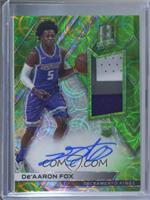Rookie Jersey Autographs - De'Aaron Fox [EX to NM] #/49