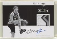 Rookie Patch Autographs Black and White - Luka Samanic #/99
