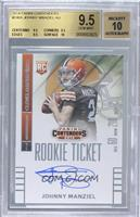 Johnny Manziel (throwing, looking to left side of card) [BGS9.5]