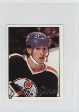 1981-82 O-Pee-Chee Album Stickers - [Base] #252 - Wayne Gretzky