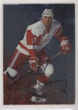 1998-99 In the Game Be A Player - [Base] - Silver Autographs #46 - Steve Yzerman [NoneEXtoNM]