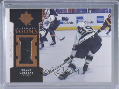 2018-19 Upper Deck Ultimate Collection - Ultimate Icons - Premium Materials Copper [Memorabilia] #UI-WG - Tier 2 - Wayne Gretzky /5