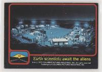 Earth scientists await the aliens [GoodtoVG‑EX]