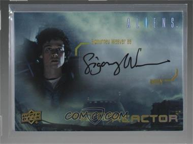 2018 Upper Deck Aliens Movie - Actor Reactor Autographs #AR-RI - Sigourney Weaver
